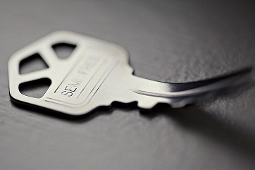 Shift Self-Bending Key by Ellusionist