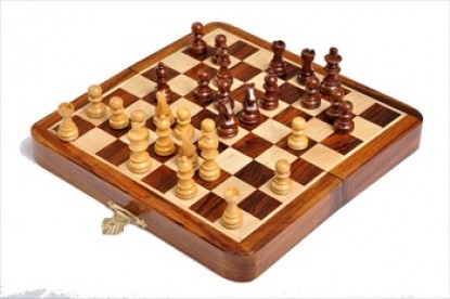 Folding Wooden Magnetic Travel Chess Set - 7 inch